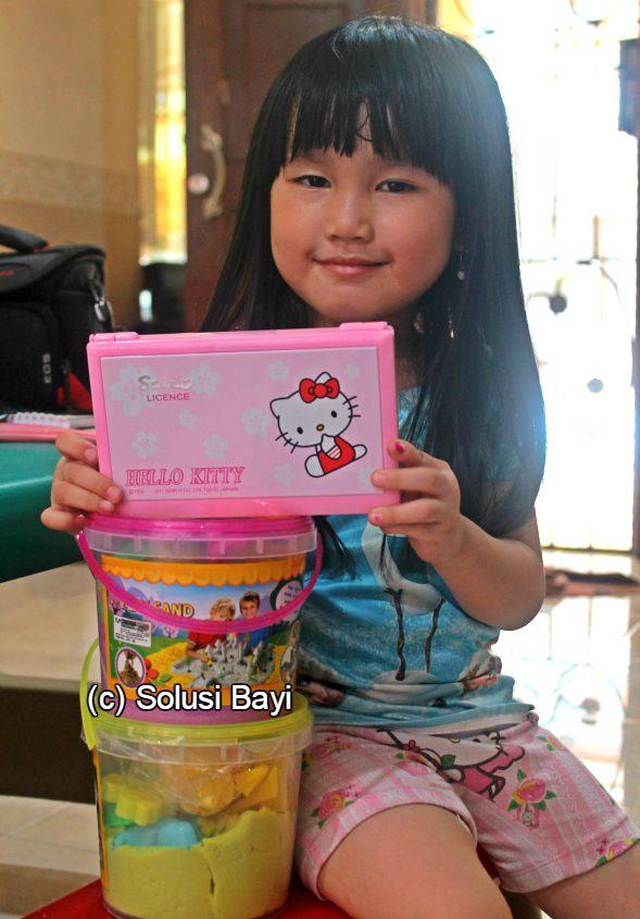 jual kinetic sand pasir kinetik murah mainan edukatif anak www.Solusibayi.com 24